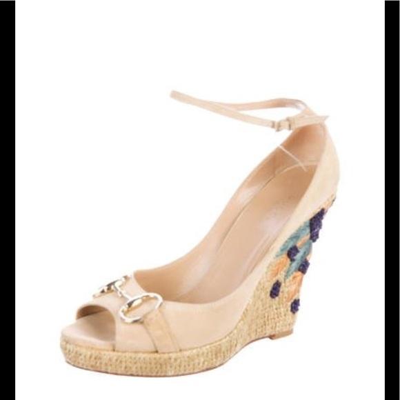 fcb957a7490 Gucci Shoes - Gucci wedges🔥